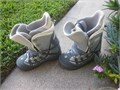 Very Nice Burton MOTO Womens Snowboard Boots Size 8 MINT CONDITION removable cinch up liner very