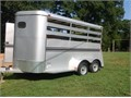 2014 Bee 3 horse slant load trailer Like new Has mats lights and small storagechanging area