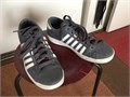 K-Swiss Hoke C lifestyle shoe barely used size 9 mens 3500 310-956-7172