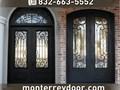 Necesitas una nueva puerta Monterrey Door ha vendido miles de puertas de Hierro en Houston Texas