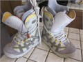 BURTON MOTO snowboard boots mens size 75  great condition little use bottoms are nice removable