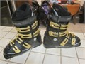 Rossignol Comp Pro ski boots MONDO size 245 which is a Womens 7 or a youth 6  4 buckle cinch to