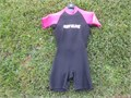 Shorty wetsuit Body Glove Womens Size S 5 Mint condition  Pink and Black 21mm Density no worn spo