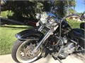 Sweet Road King ClassicNicely set up Nothing needed Smooth rideDaniel  818 261-4151