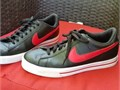 Nike sweet classic leather sz 95 color blackred bottom wht  Used great condition