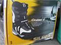 NEW SILENCE Cruiser 2    Snowboard boots size 9