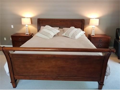 CalKing Bedroom Set 4pcs.