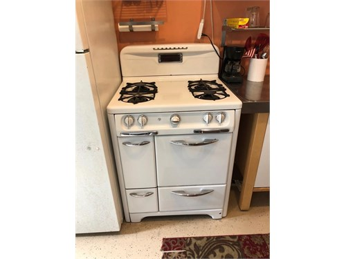 wedgewood stove C,P,