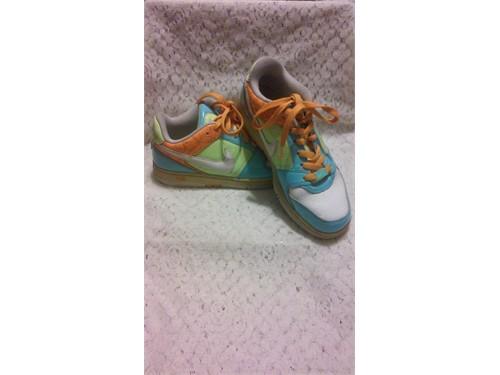 Nike Dunks Kids, Size 7