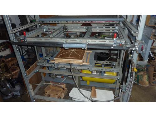 Plastic forming machine