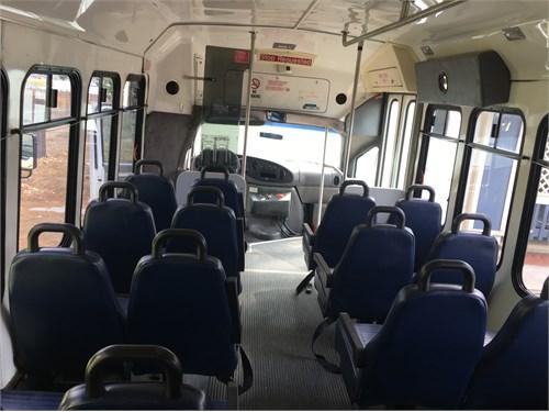 03Ford Econoline 450 Bus