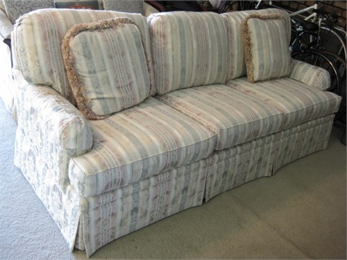 Thomasvile sofa