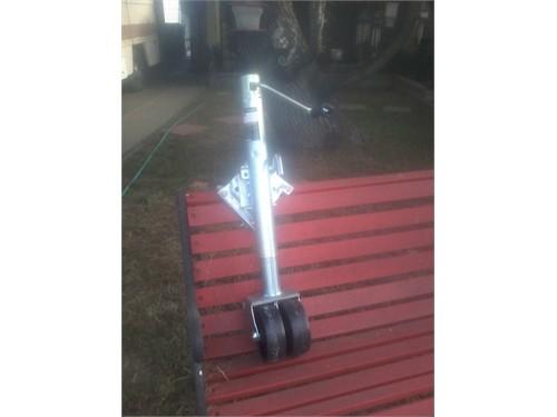 Swing up frame rail mount