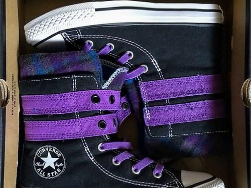 Converse Hi-Top Shoes Sz1