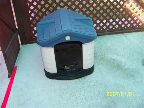 Dog house - medium