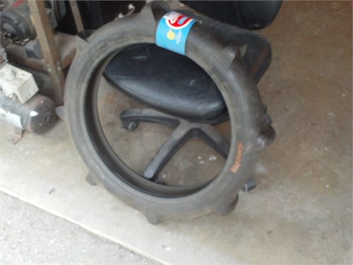 paddle tire dirt bike