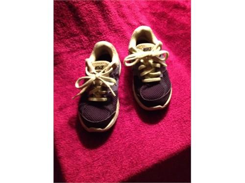Sneakers-NIKE(Boys 12C)