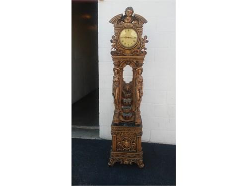 romanisc type clock