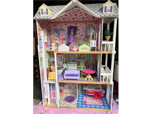 Doll House & Furnitures