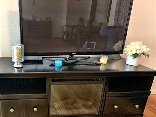 TV stand w/Fireplace