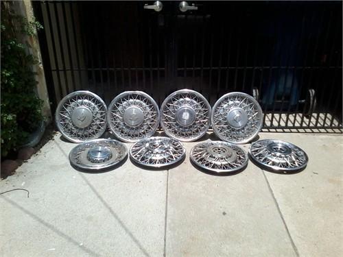 Cadillac Spoke Hub Caps