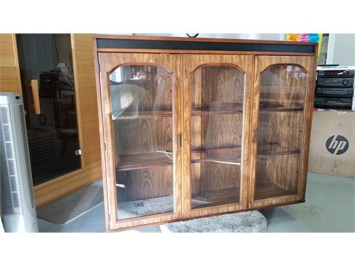 Cabinet showcase