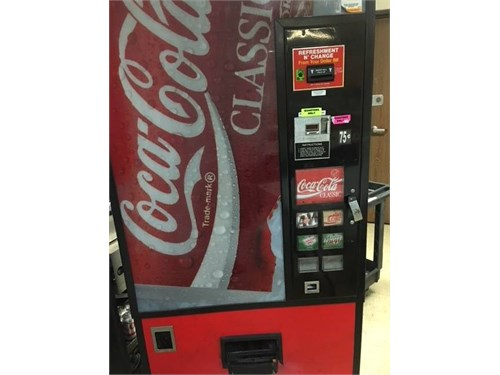 COCA COLA VENDING MACHINE