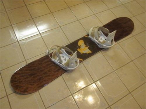 Snowboard 158cm and bindg