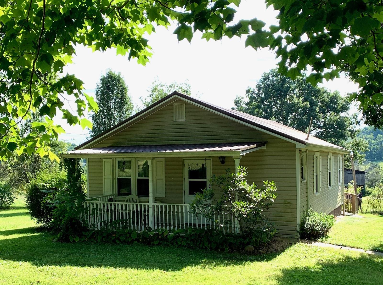 Estate AuctionThe Clarence  Frances Pitt EstateSaturday September 25 2021 at 10AMApprox 3