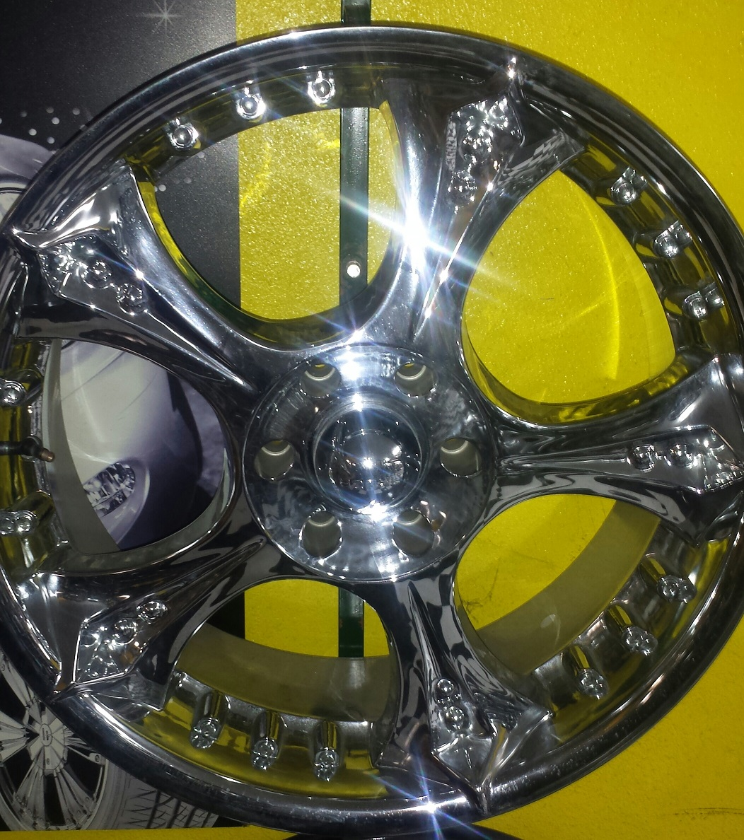 Special on wheels Brand name Akuza 619 22 22x95 Bolt pattern 6x139 TWO LOCATIONS Business