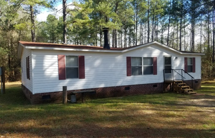 COUNTRY LIVING on 261 acres Augusta Ga Brick Foundation 32 28x60 New updates including roof hot