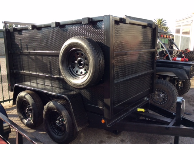 7000GVWR2 516 ball needed5 ft width inside box 79 to 80 fender to fender8 ft lenght ins