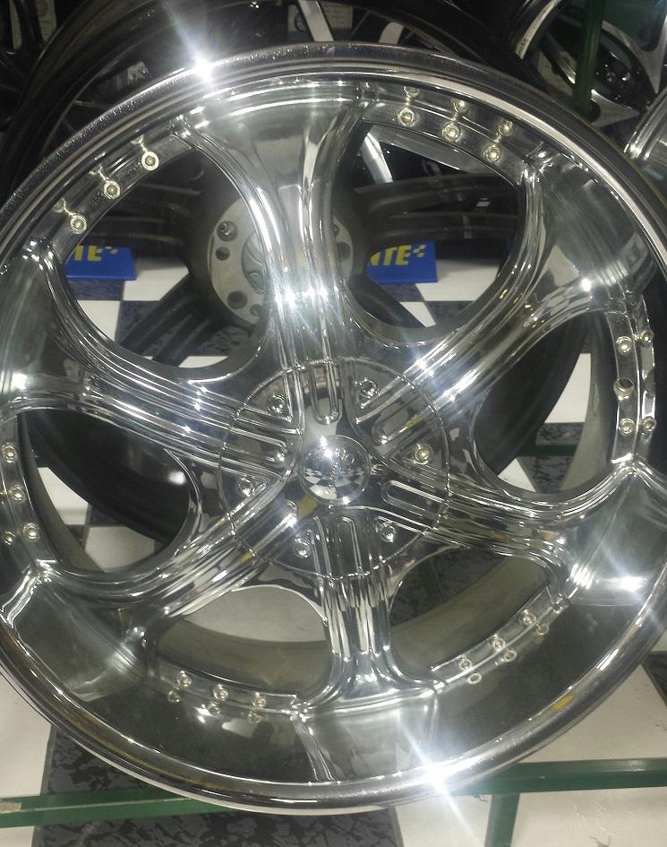 Special on wheels 22 Gazario Model 710 Chrome Rims 22x95 Bolt pattern 6x139 Offset 15  TWO LOC