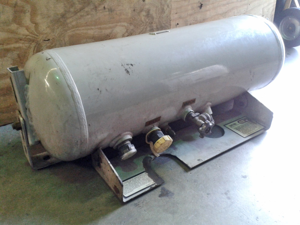 UNDERBELLY PROPANE TANK FOR RV OR CARPET CLEANINGNew 1100Used 700PowerPlus Professio