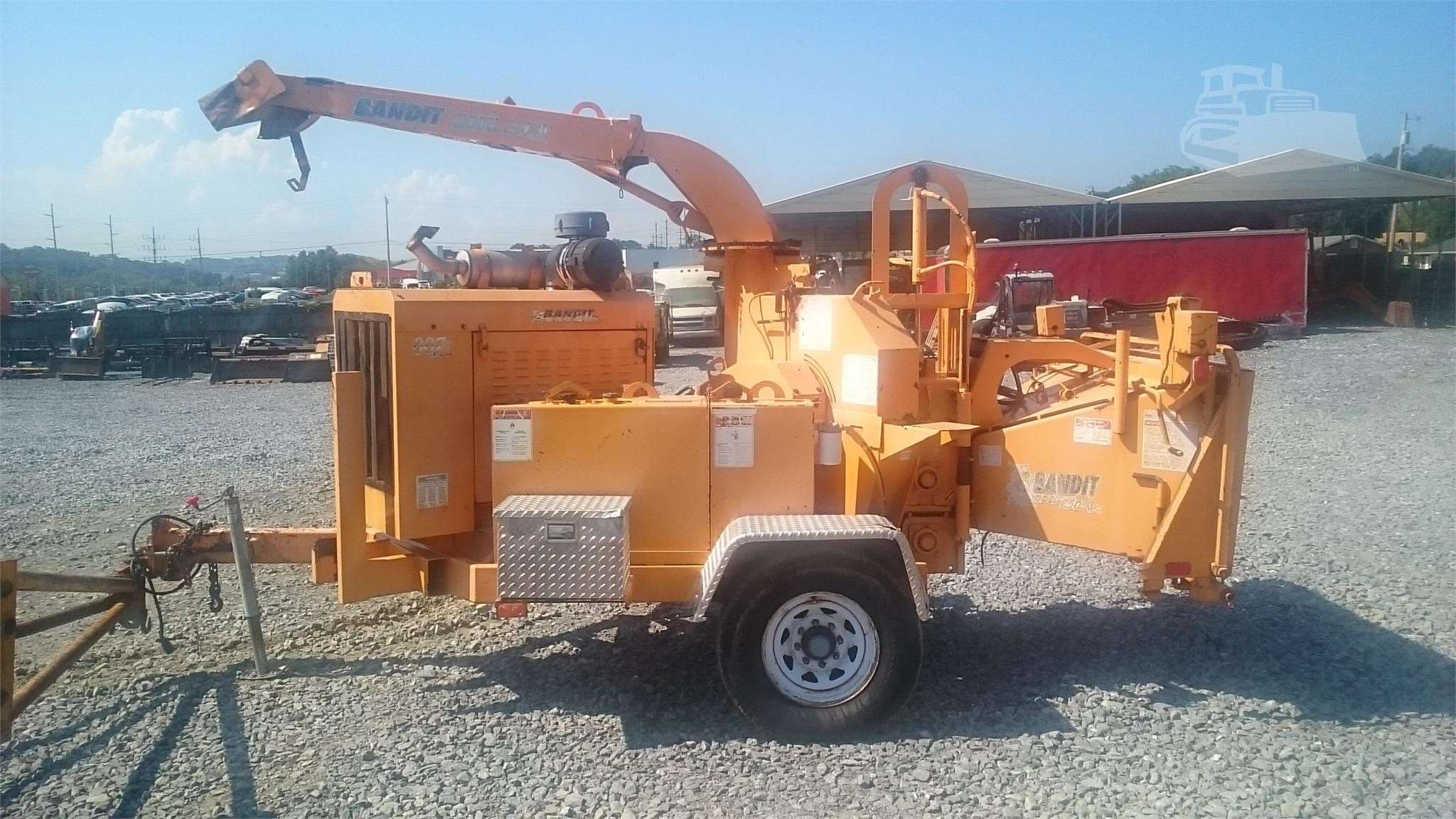 2007 BANDIT 250XP WOOD CHIPPER OWNED BY UTILITY COMPANY CAT 142 HP DIESEL 12 PULL BEHIND VERY