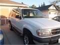 2000 Ford Explorer Leather Interior Great Shape  2 Captain Seats heated Excellent AC  Heater Ask