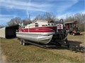 sun tracker 2019 20 fishing barge W60 hp Mercury 4 stroke 2 live wells capta