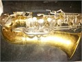 Bundy 2 Alto Saxophone used 1 year for junior high band excellent condition comes with case and k