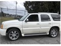 2005 Cadillac Escalade Premium Condition SUV All Options including three seats BOSE Leather CADI