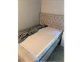 Fantastic conditionTempurpedic queen mattress foundation is a superb foundation under any mattres