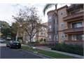 Very nice luxury condo in a prestigious area of Burbank north of Glenoaks Blvd Master bedroom fea