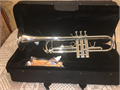 New trumpet come with case and mouthpiece