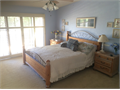 Moorpark SPACIOUS QUIET upstairs master bedroom and private bathroom in a beautiful 5-bedroom cus