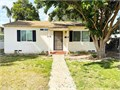 Bakersfield CA  Adorable 2 bed1 bath in desirable Westchester This home has the charming built-in