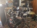 This set includes a Hot Shot Snare Bass Drum Floor Tom 2 Floating Toms Zildjian Hi-hat Cymbals t