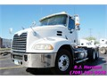 2009 Mack Pinnacle Tandem Axle Day-CabMack MP8 EngineEngine BrakeRTLO-16913A Fuller 13 Spd