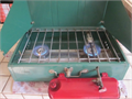 Coleman Hevi Duty 2 Burner Stove Pump up fuel type Large 413G Model built between 1965-1969 Mint