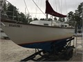 Beautiful traditional easy sailing INTERNAL BALLASTnot a bolt-on keel hull and wood in great sh