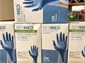 Nitrile Examination Gloves    Latex-free odour-free and powder-free    Can Withstand IPA wash
