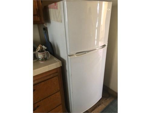 Refrigerator like new